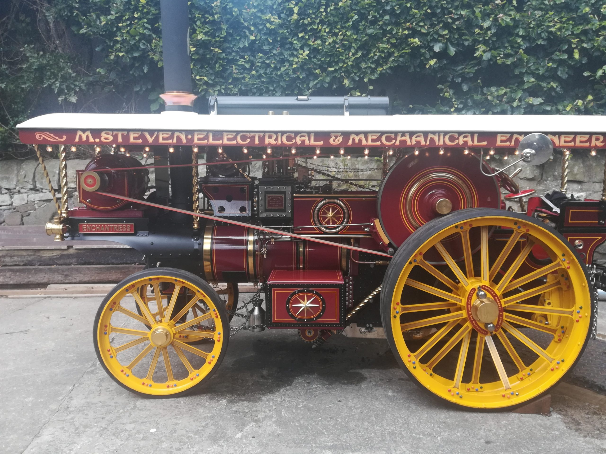 4″ Scale Showmans Engine. Fully finished and Stunning